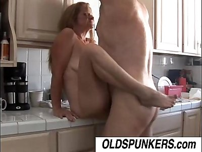 Gorgeous mature babe Tiffany loves to fuck