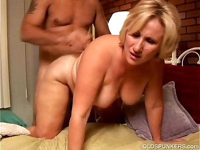 Mature blonde rims his asshole and enjoys a facial cumshot