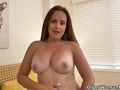 Canadian milf Brandii goes to town on her gorgeous pussy